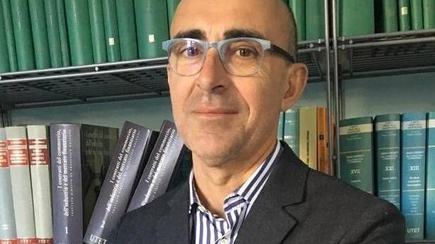 """Enrico Morello è deceduto lo scorso gennaio, purtroppo non ha potuto vedere la pubblicazione del suo secondo romanzo """"La mia banca"""" (Chiarelettere)"""